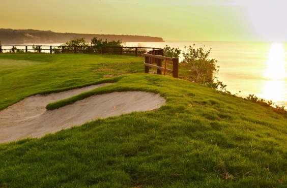 Golf na BALI a KOMODO